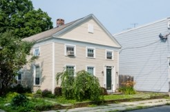 NANTUCKET HOUSE